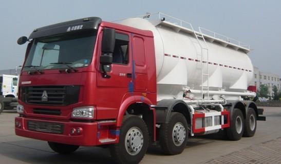 亚特重工TZ5317GFLZC8豪泺散灰40立方粉粒物料运输车