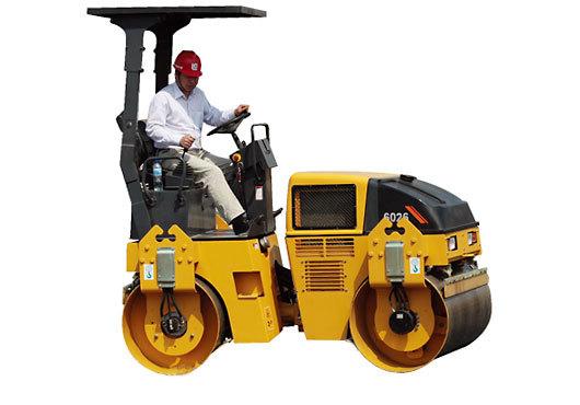 柳工CLG6026小型养护双钢轮压路机