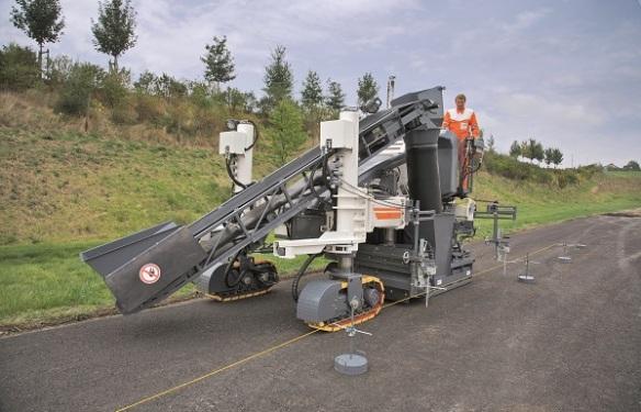 维特根SP15 型滑模摊铺机