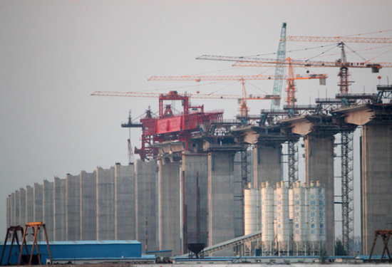 华中建机HZP系列节段拼装架桥机