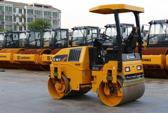 柳工CLG6032全柴双驱单振-小型养护双钢轮压路机