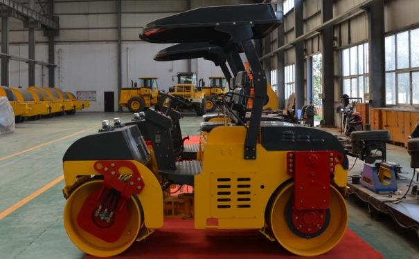 洛阳晟路JCC3033吨双钢轮压路机