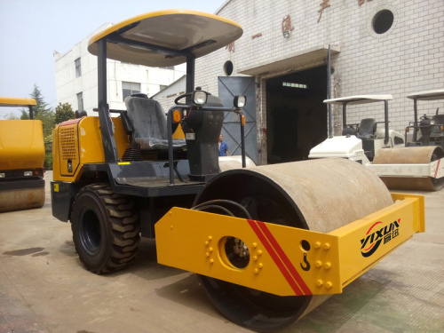 宜迅YX-3.5D单钢轮3.5吨座驾式压路机