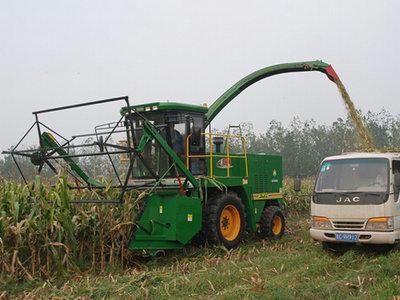巨明4QS-3000青贮饲料收获机