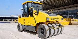 柳工CLG6526E轮胎压路机