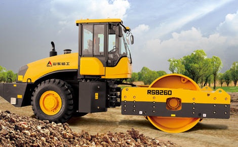 山东临工RS8260机械式单钢轮振动压路机