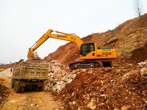 山推挖掘机SE220W挖掘机