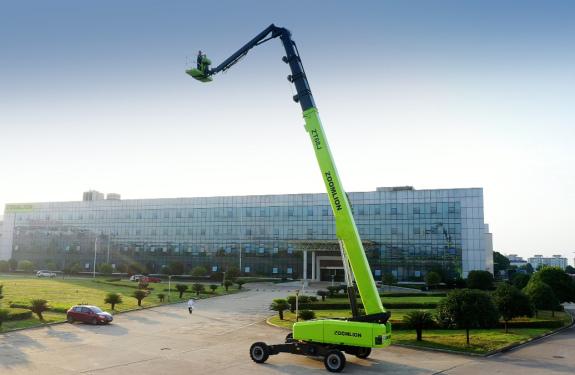 中联重科ZT68J柴动直臂式高空作业平台