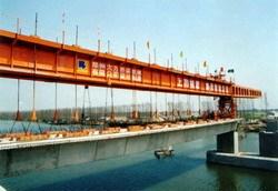 大方P600阶段拼装型架桥机